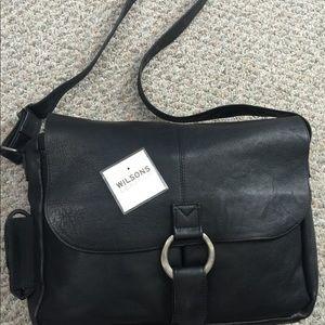 Wilsons leather men's leather messenger bag